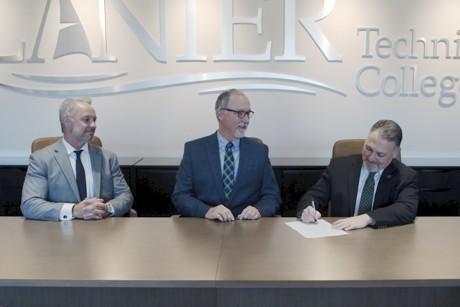 Lanier Tech and Piedmont College Sign Articulation Agreement